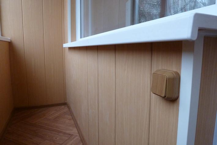 Результат отделки балкона панелями ПВХ