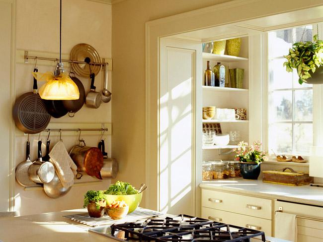 Внешний вид кухни совмещенной с балконом