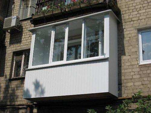 """Внешний вид балкона в """"хрущевке"""""""
