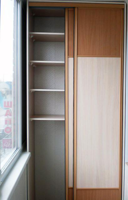 Фото шкафа-купе на балкон