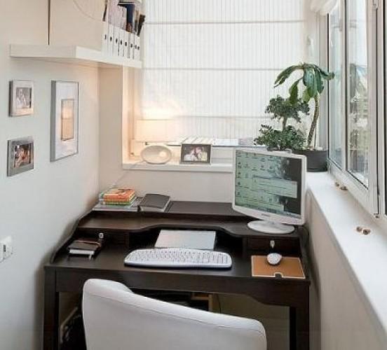 Компьютерный стол на балкон