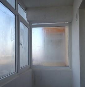 Запотевшие окна на балконе и в лоджии