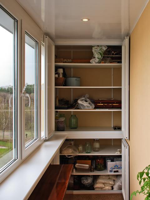 Шкафчик на балкон встроенный. - готовые балконы - каталог ст.