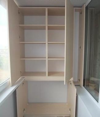 Встроенный шкаф для балкона или лоджии