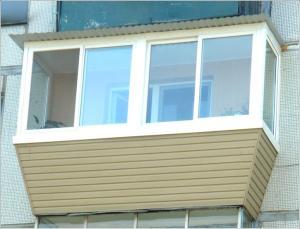 Внешний вид балкона, обшитого сайдингом