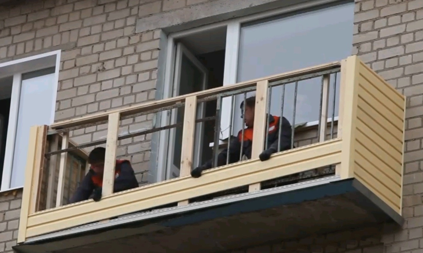 Обшивка балкона сайдингом снаружи своими руками: инструкция.