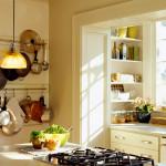 Обустройство маленькой кухни, совмещенной с балконом