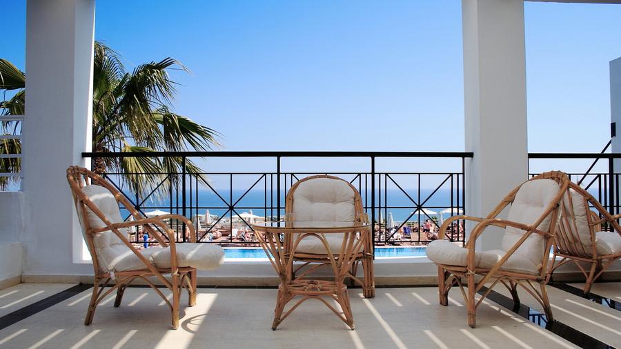 Красивые кресла для балкона фото
