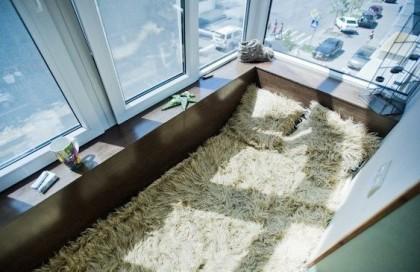 Фото кровати на балконе