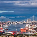 Компании Владивостока, которые занимаются утеплением и остеклением балконов